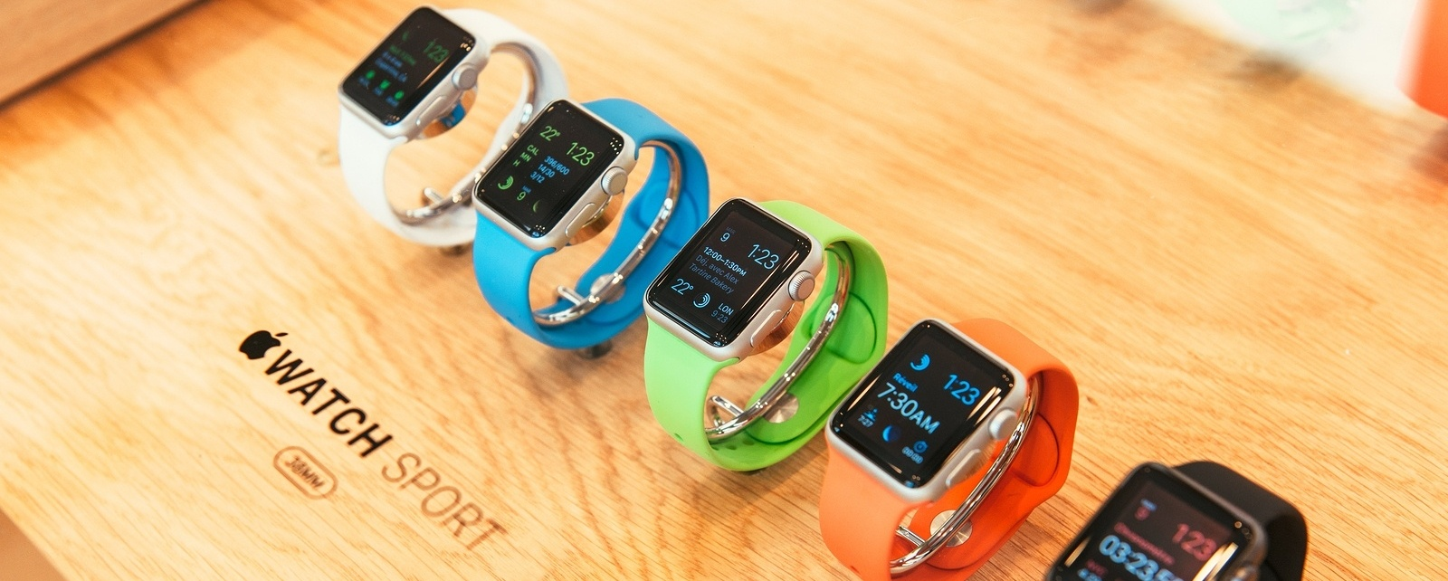 bigstock-Apple-Watch-Starts-Selling-Wor-87563384-979794-edited